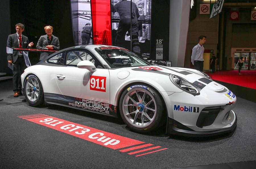 2017 Porsche 911 Gt3 Cup Racer Launched In Paris Autocar
