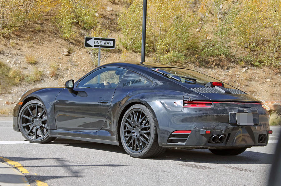 Porsche 911 interior sighting shows new digital cluster of 2019 car