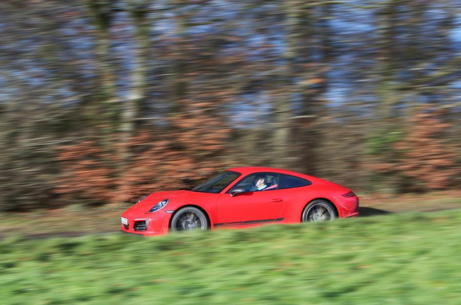 Porsche 911 Carrera T side profile