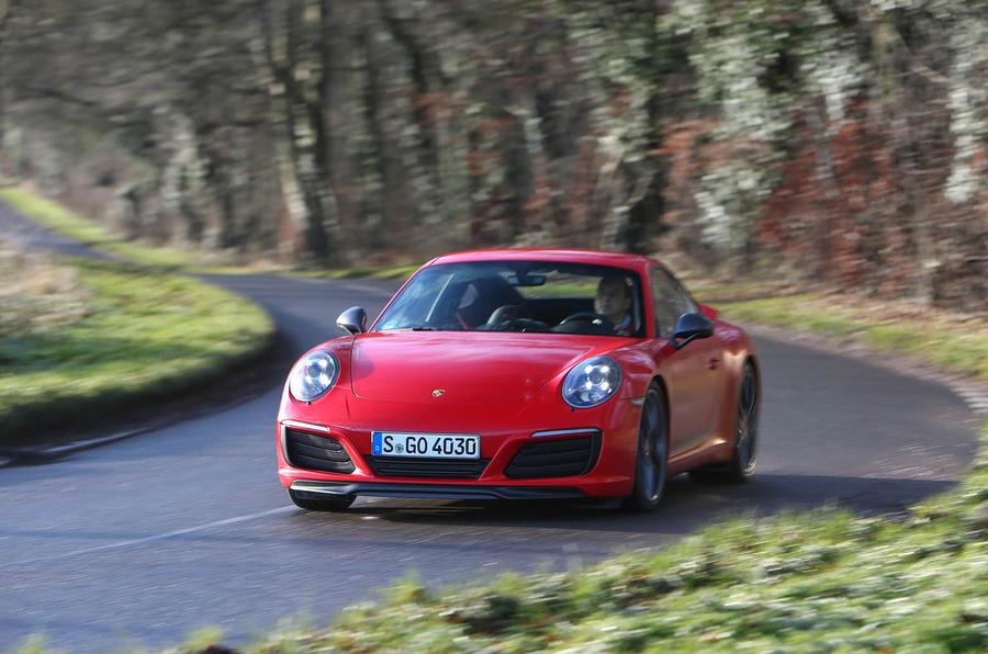 Porsche 911 Carrera T cornering