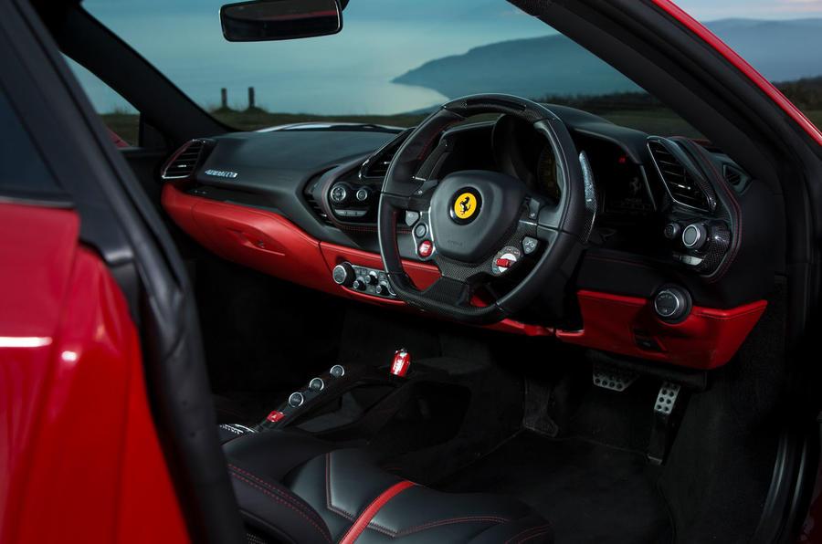 Ferrari 488 GTB rewind - cabin