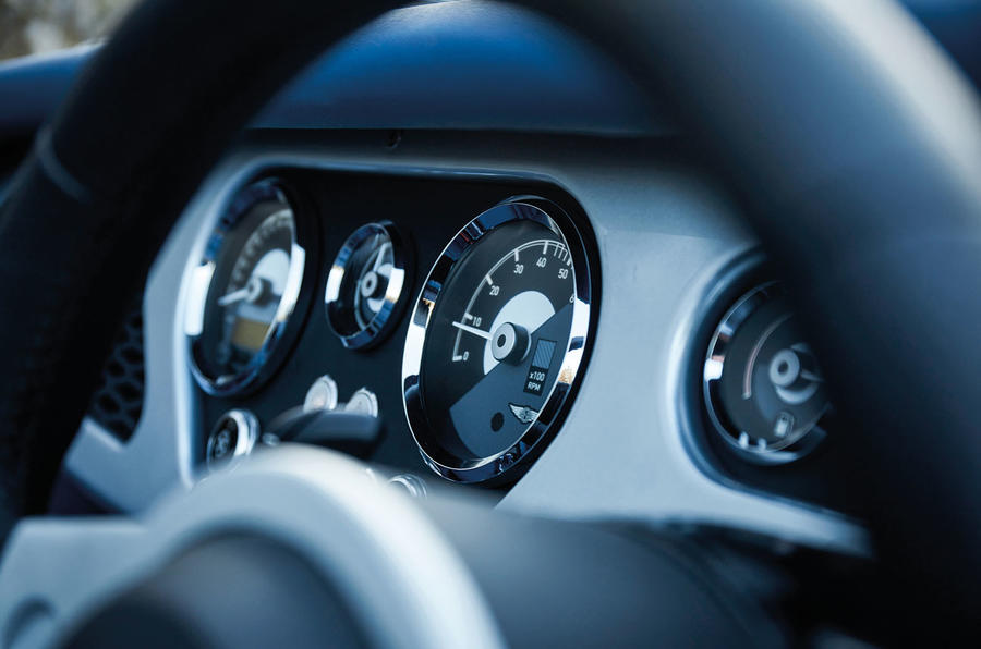 Morgan Plus Six 2019 official press images - dials