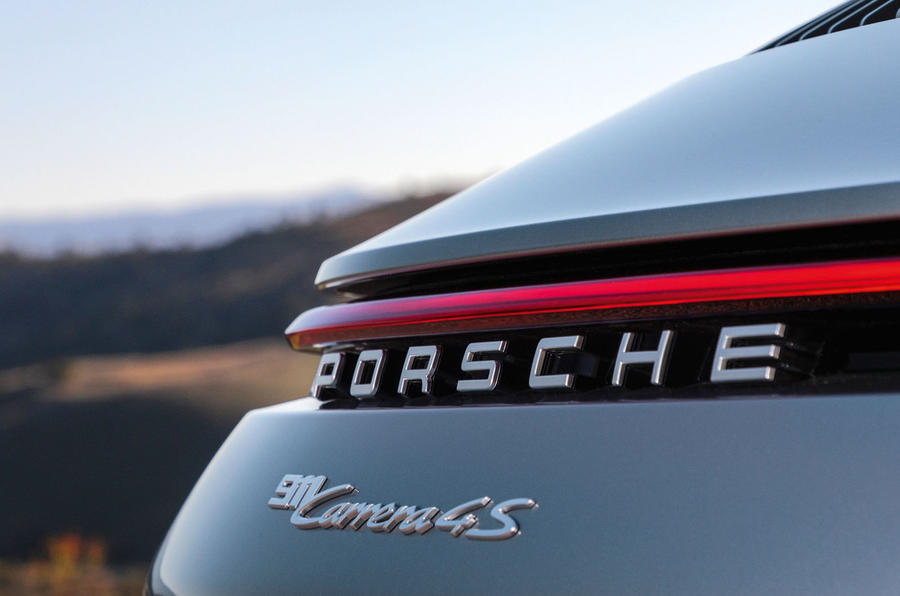 2019 Porsche 911 official reveal - press still light bar