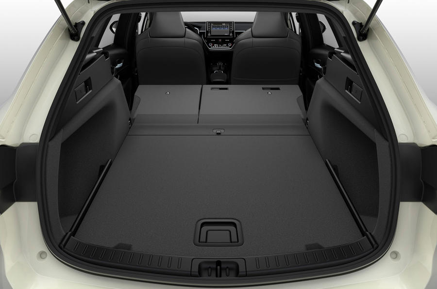 Suzuki Swace official press images - boot