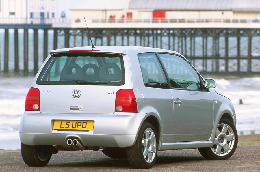 92 hướng dẫn mua đã qua sử dụng VW Lupo GTi tĩnh phía sau