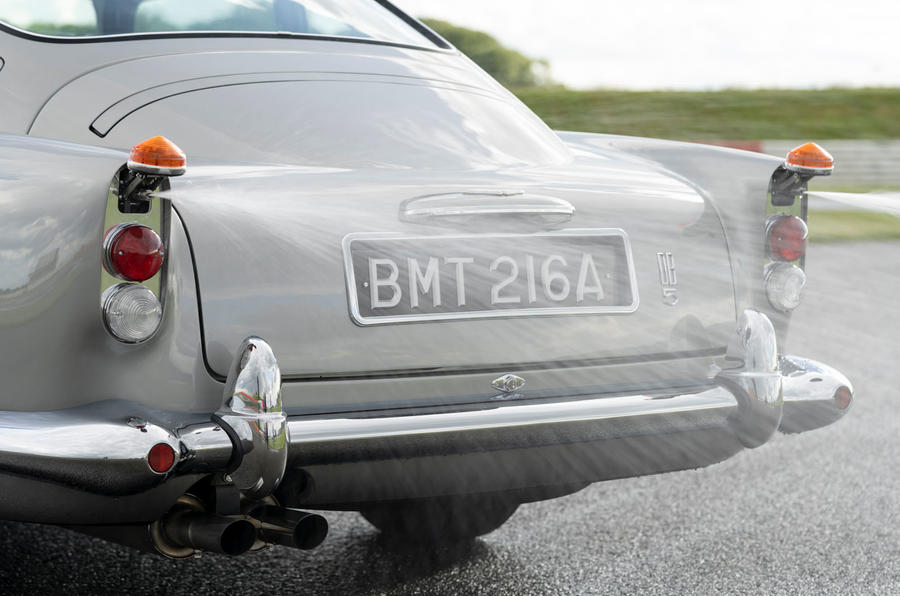 Aston Martin DB5 Goldfinger Continuation oil slick