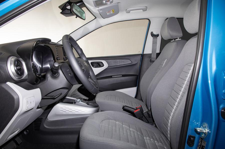 Hyundai i10 2019 reveal - studio cabin