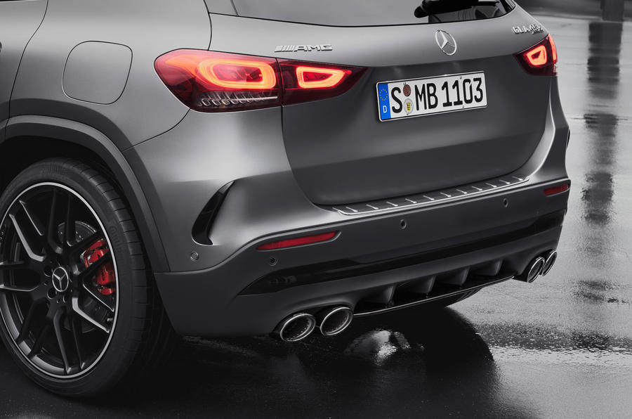 Mercedes-AMG GLA 45 S 2020 official press images - exhausts