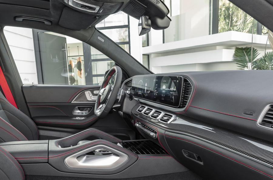 2018 - [Mercedes] GLE II ( ML IV ) - Page 9 93-mercedes-gle53-official-press-cabin