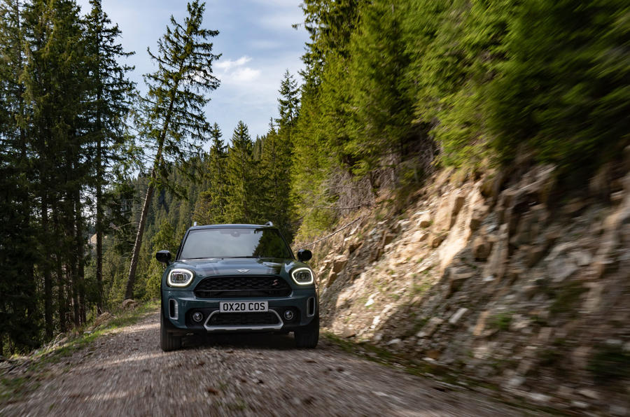 Mini Countryman 2020 facelift - official press images - on the road nose
