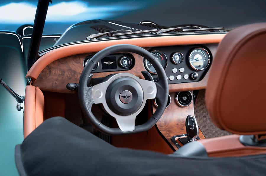 Morgan Plus Six 2019 official press images - steering wheel