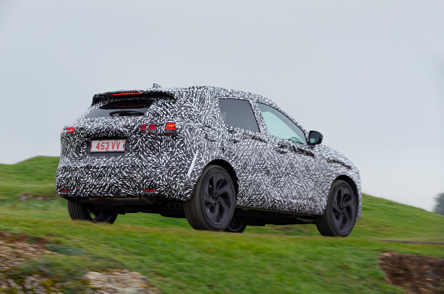 Nissan Qashqai official prototype images - on the road rear