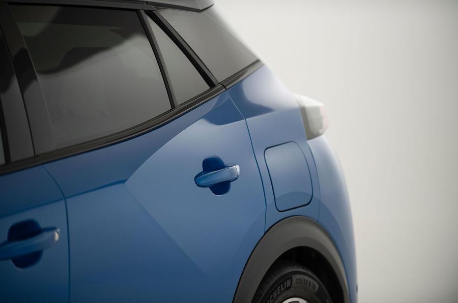 Peugeot e-2008 reveal studio - door shut lines