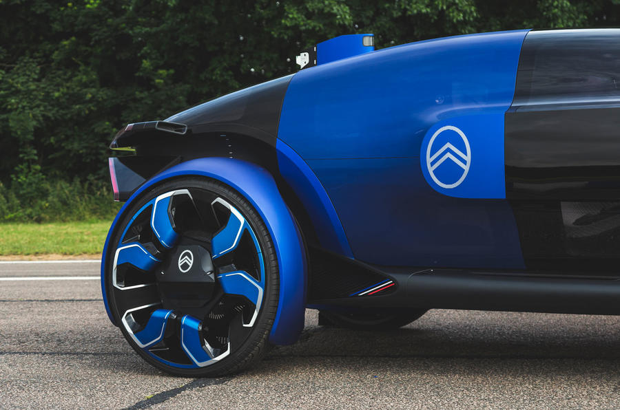 Citroen 19_19 concept prototype drive - alloy wheels