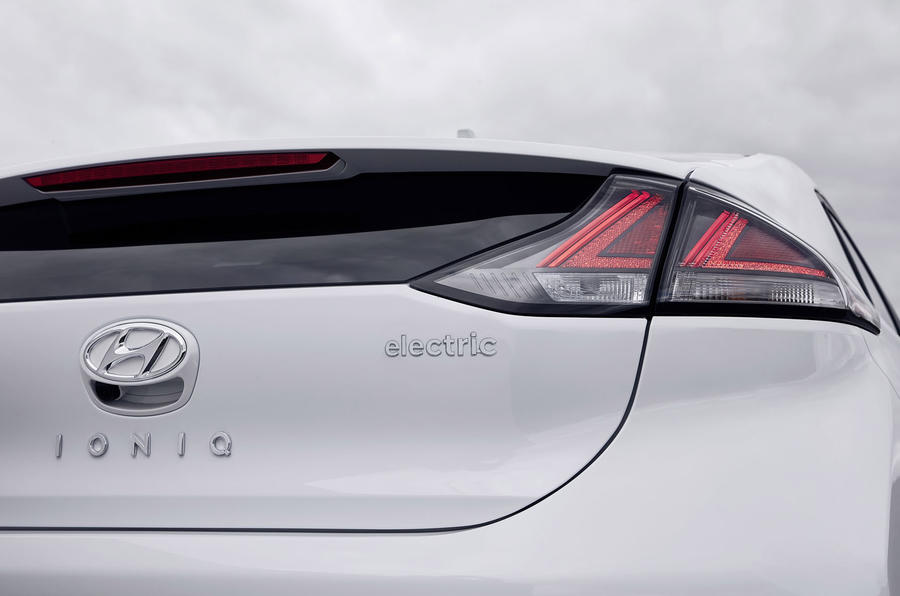 Hyundai Ioniq 2019 facelift official press - rear lights