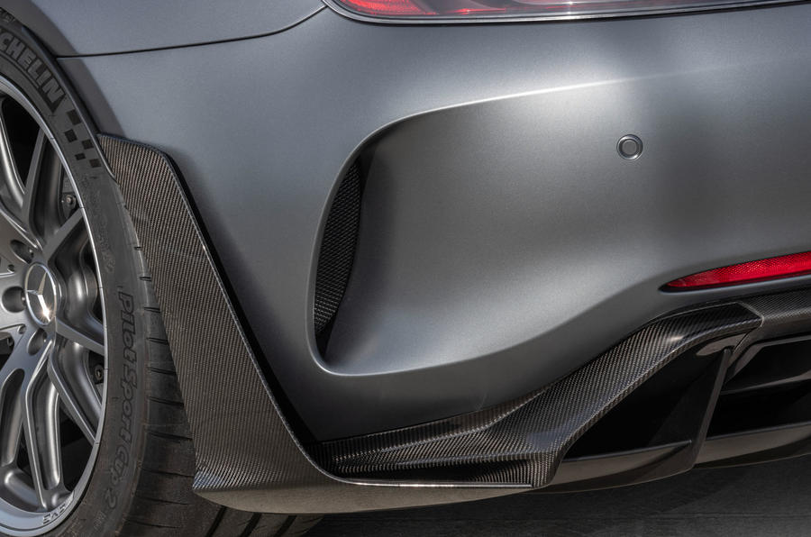 Mercedes-AMG GT R Pro 2018 LA motor show reveal - rear aero