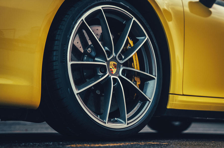2019 Porsche 911 Carrera S track drive - alloy wheels