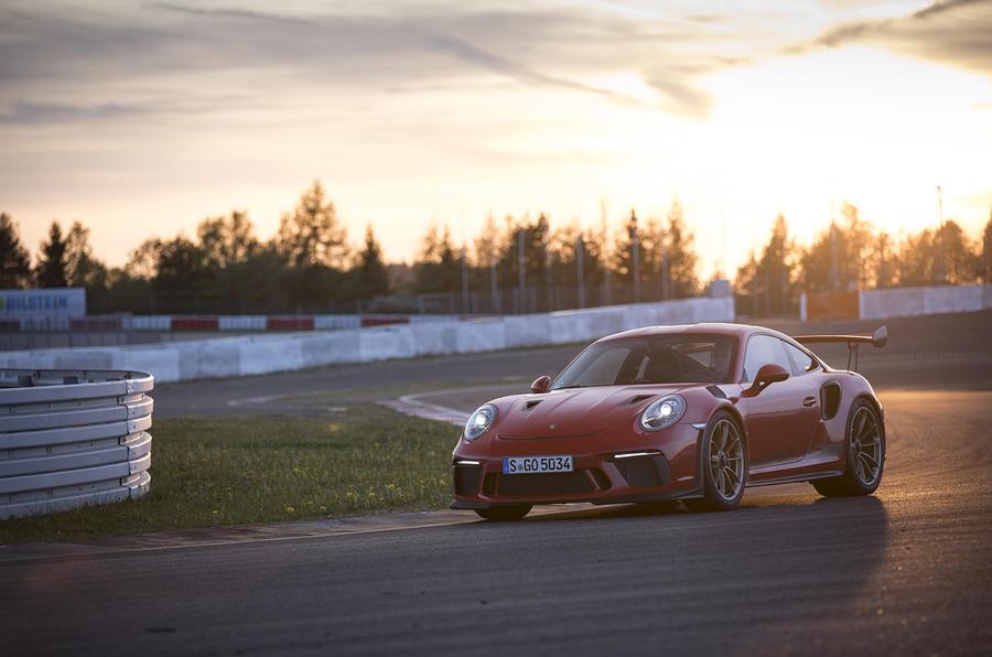 Porsche 911 GT3 RS 2018 review sunset front