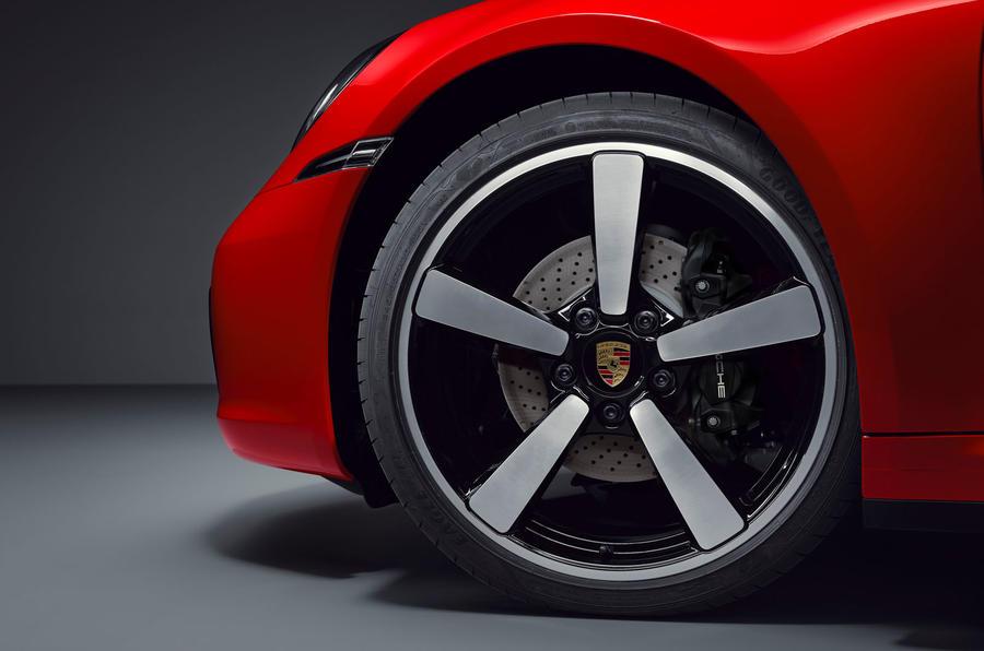 Porsche 911 Targa 992 official images - alloy wheels