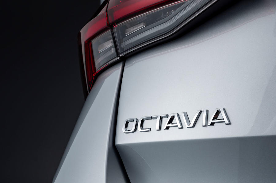 2020 Skoda Octavia estate official studio - rear badge