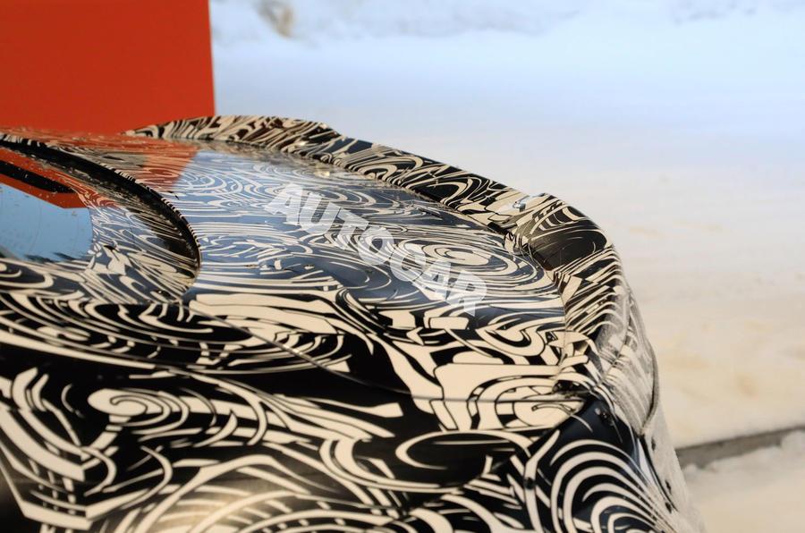 BMW 2 Series camouflage winter testing 2019 - spoiler