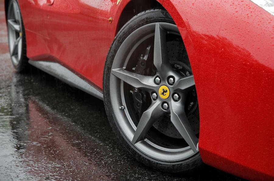 Ferrari 488 GTB rewind - alloy wheels