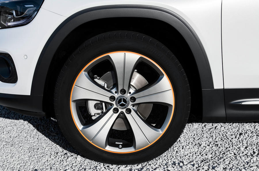 Mercedes-Benz GLB 2019 official reveal - alloy wheels