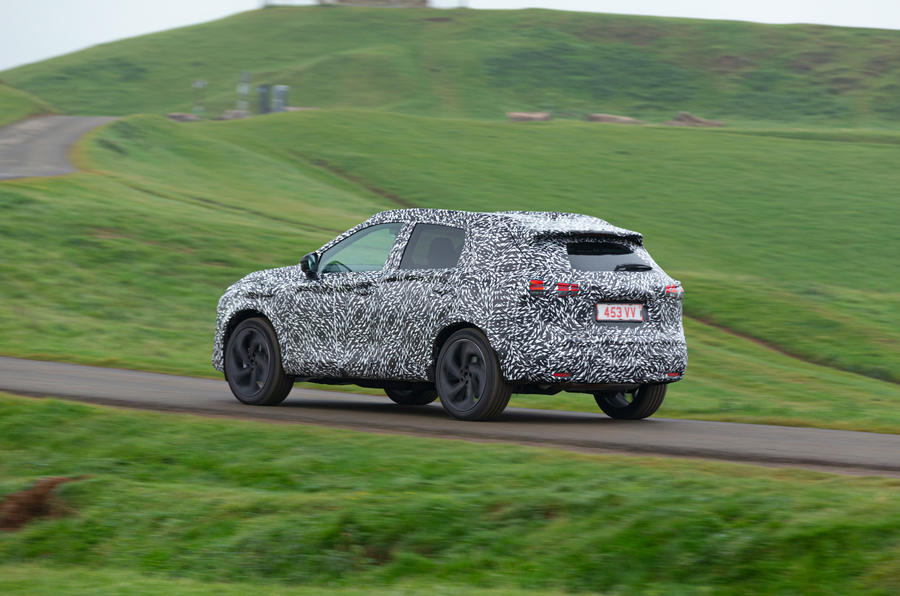 Nissan Qashqai official prototype images - tracking rear