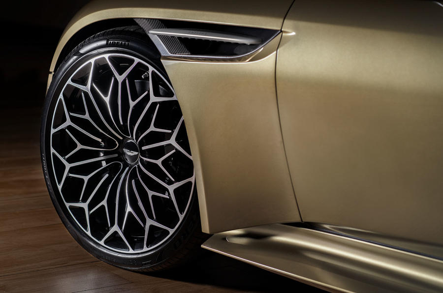 Aston Martin On Her Majesty's Secret Service Superleggera - alloy wheels