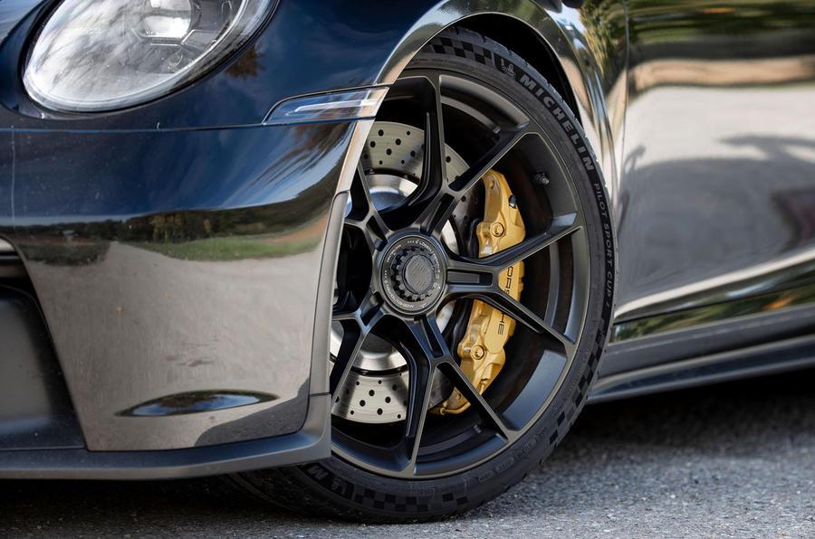 Porsche 911 GT3 2021 passenger ride - alloy wheels