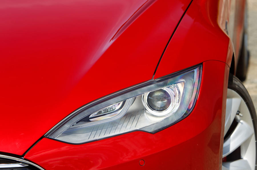 Tesla Model S road test rewind - headlights