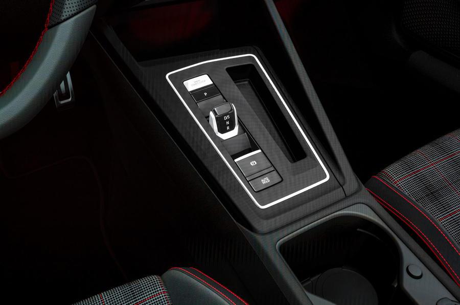 2020 Volkswagen Golf GTI first ride - gearstick