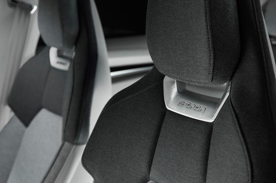 Auto E-tron GT concept official press reveal - front seats