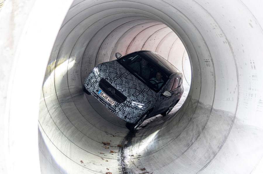 Mercedes-Benz GLA prototype ride 2019 - tunnel
