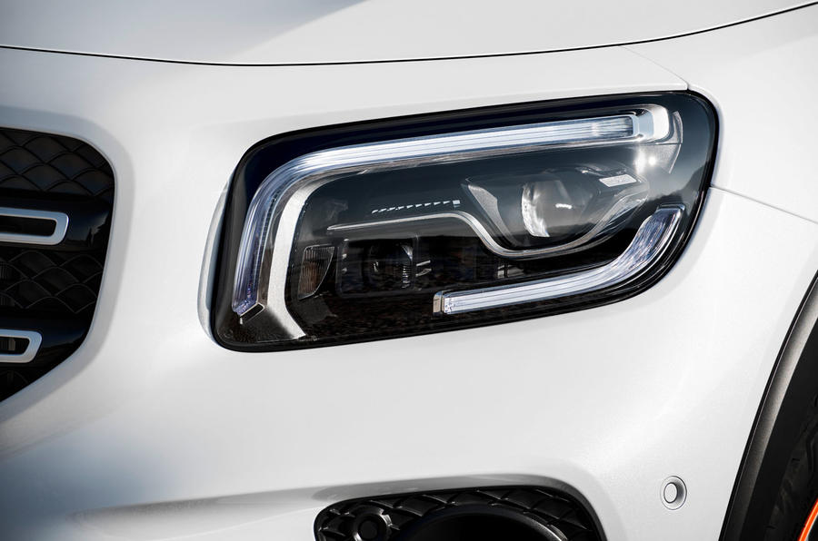 Mercedes-Benz GLB 2019 official reveal - headlights