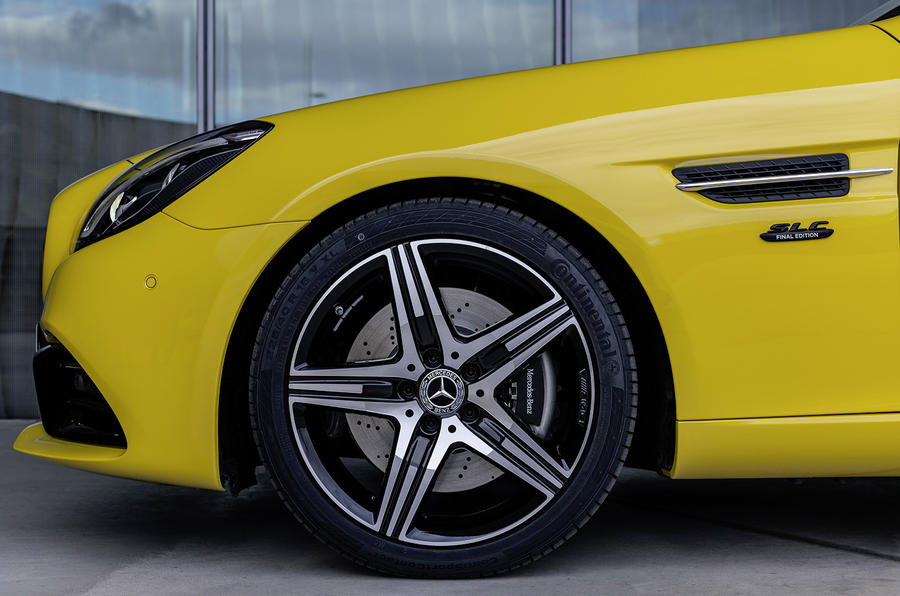 Mercedes-Benz SLC final edition official press - alloy wheels