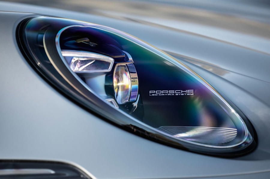 2019 Porsche 911 official reveal - press still headlights
