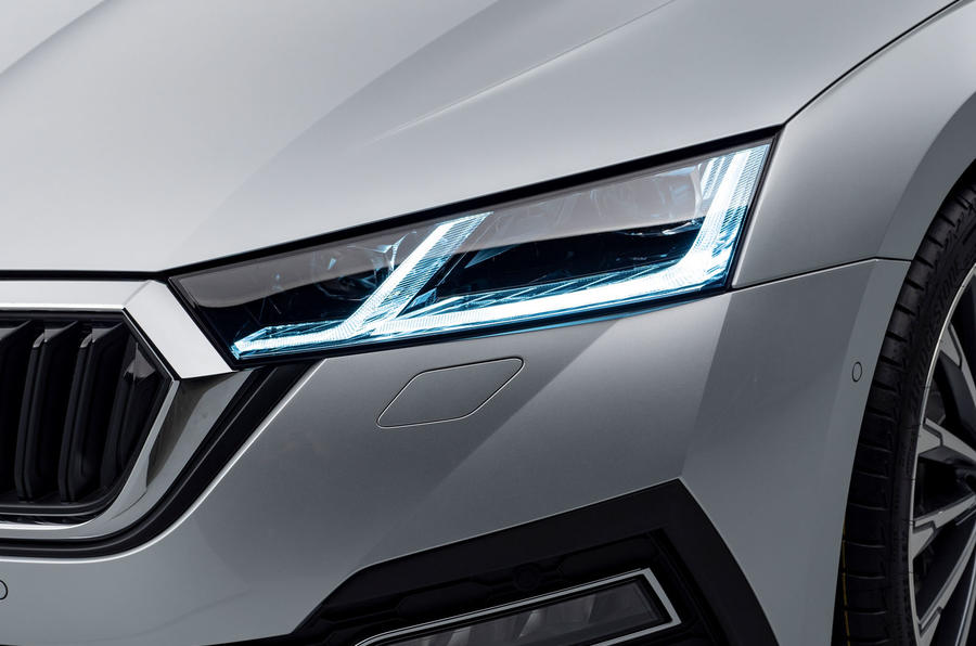 2020 Skoda Octavia estate official studio - headlights