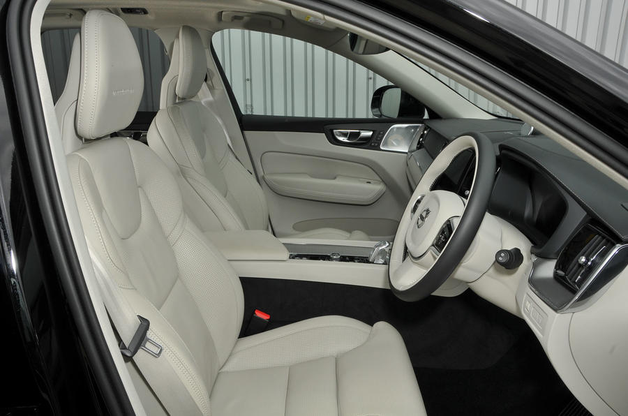 Volvo XC90 nearly new buying guide - interior