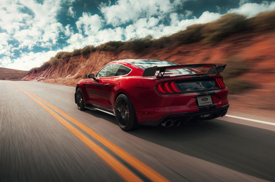 Shelby GT500 Drops into Detroit With Carbon Wheels