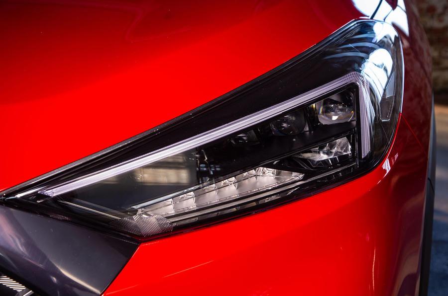 Hyundai Tucson N Line 2019 reveal - reveal headlights