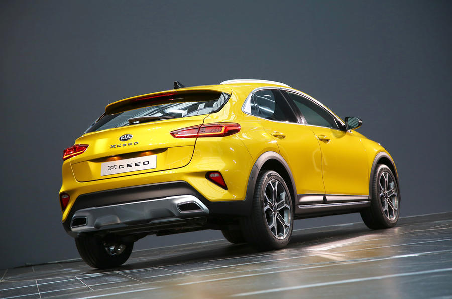 Kia Xceed 2019 official reveal - hero rear