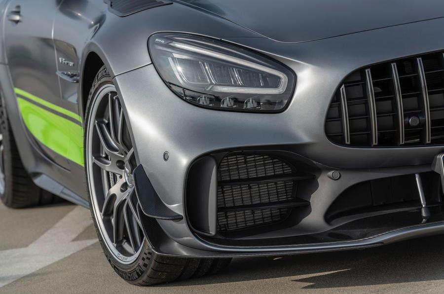 Mercedes-AMG GT R Pro 2018 LA motor show reveal - front aero