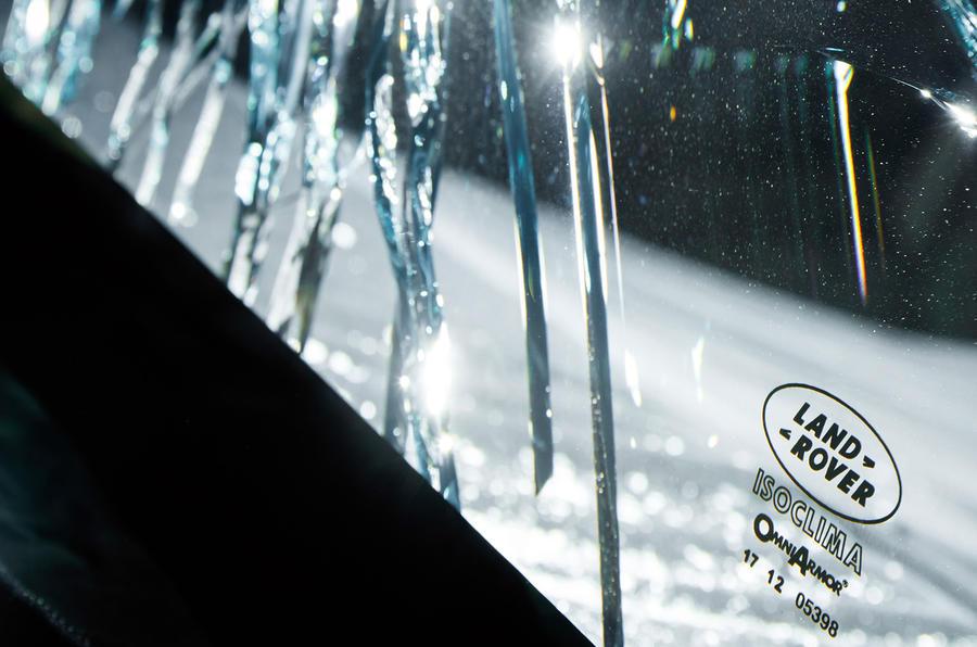 Land Rover Range Rover Sentinel official press images - bulletproof glass