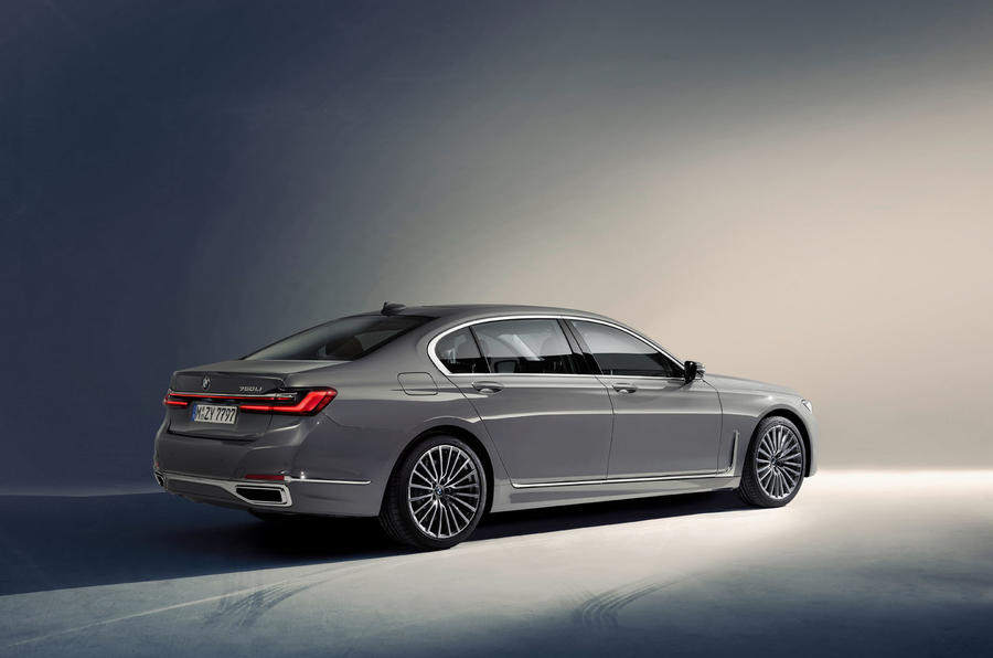 2019 BMW 7 Series official reveal - hero rear