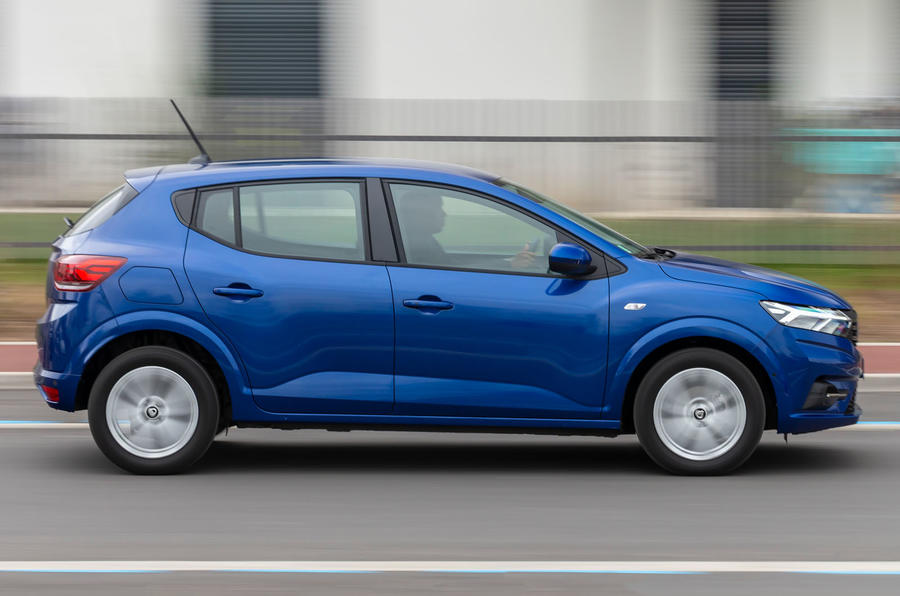 Dacia Sandero 2021 UK official images - side