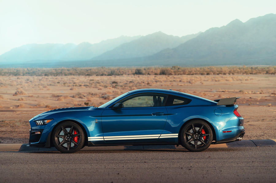 Ford Shelby Mustang GT500 official reveal - hero side
