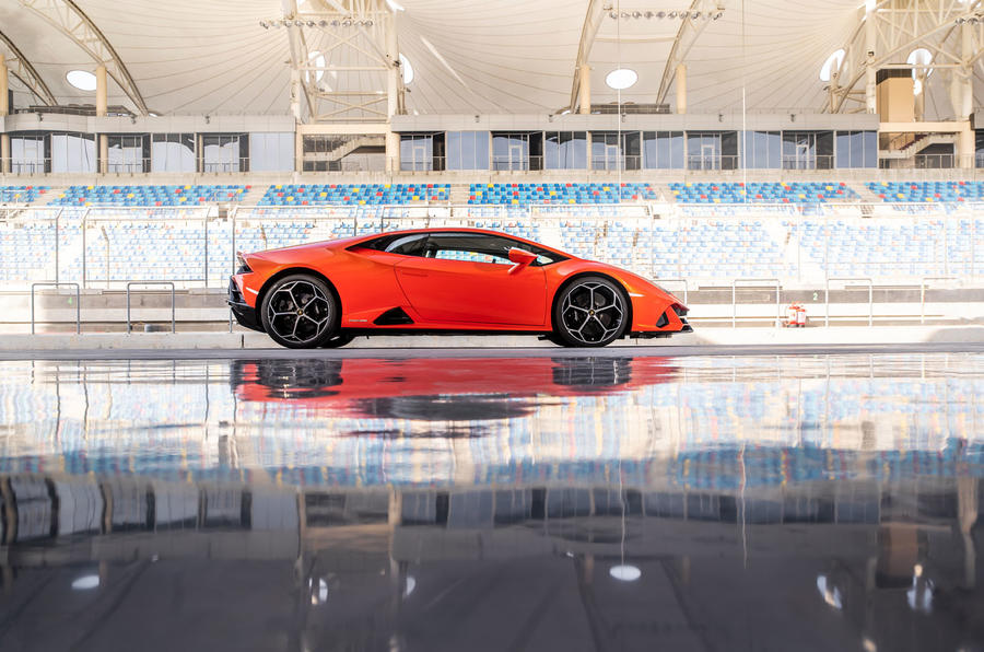 Lamborghini Huracan Evo 2019 first drive review - static side