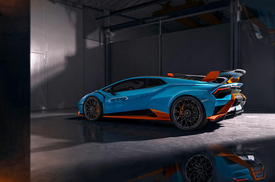 Lamborghini Huracan STO 2020 official images - side