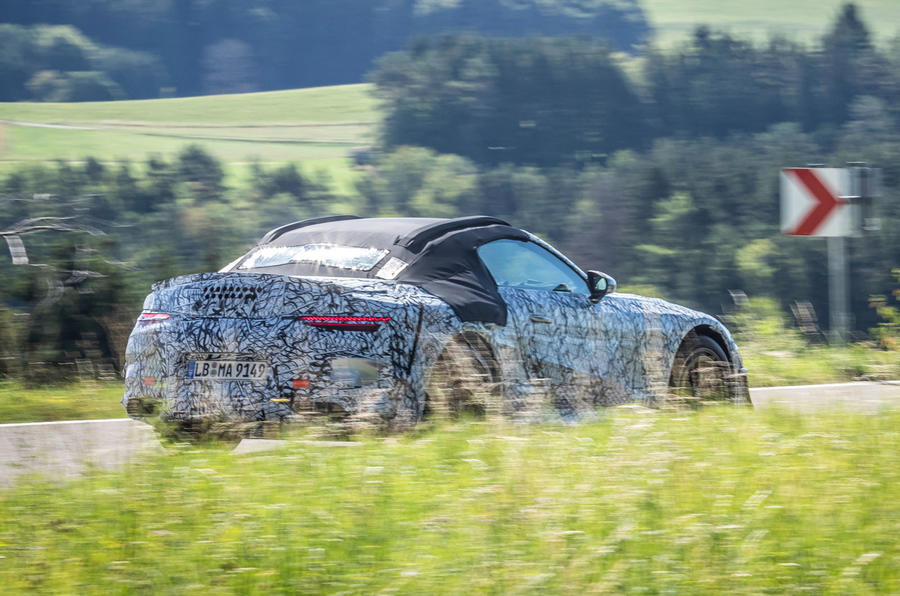 2021 Mercedes-Benz SL official disguised images - tracking rear